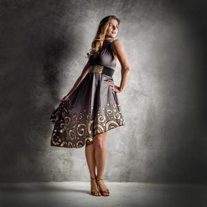 Asymetrické společenské šaty d73cd0013a